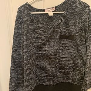 Gray sweater with black.